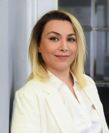 Headshot of Leyli Malayeri Pour