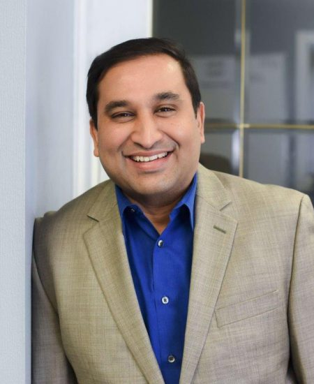 Headshot of Vineet Halbe